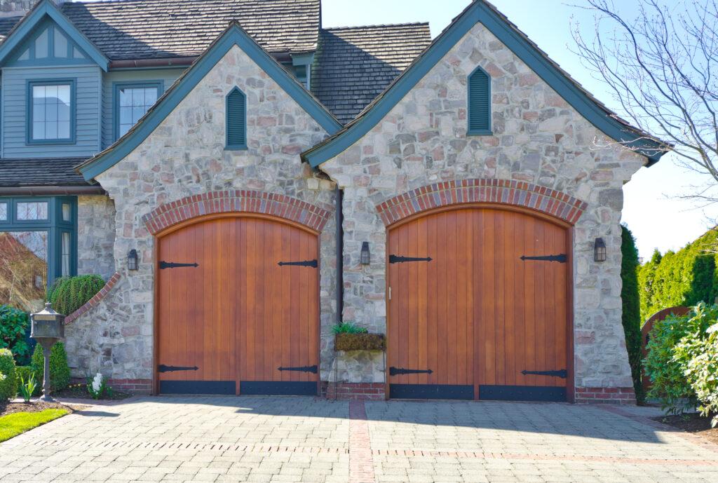 custom garage doors in tucson