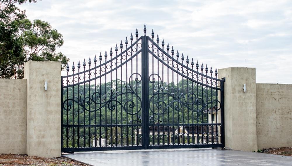 Metal Gate Installation in Tucson
